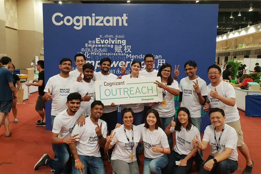 Multinational technology consulting firm Cognizant at an outreach event where volunteers got students to tinker with technology, in a bid to enhance Stem education in schools. PHOTO (TAKEN BEFORE COVID-19): COGNIZANT