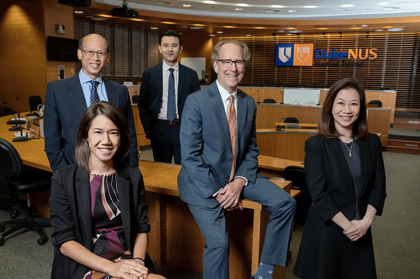 Duke-NUS strives to bring a diversity of backgrounds and perspectives into Singapore's biomedical ecosystem. (From L-R):  Assistant Professor Rena Dharmawan, Entrepreneur-in-Residence, CTeD; Associate Professor Ong Sin Tiong, Cancer and Stem Cell B