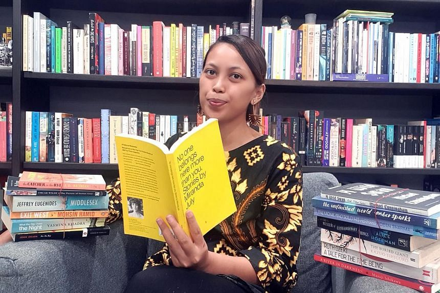 Ms Elfarina Roszaini joined forces with other Singapore Bookstagrammers to sell hundreds of books in a virtual fund-raiser. PHOTO: COURTESY OF ELFARINA ROSZAINI Writer Jemimah Wei shares her favourite reads with her 69,700 followers on Instagram. Sis