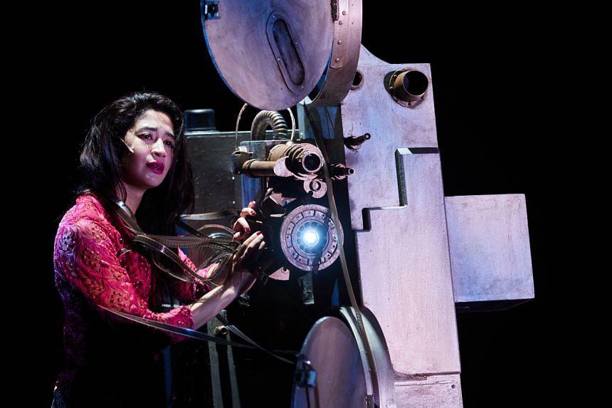 Munah Bagharib in Lost Cinema 20/20 by Brian Gothong Tan at the Esplanade Theatre Studio.