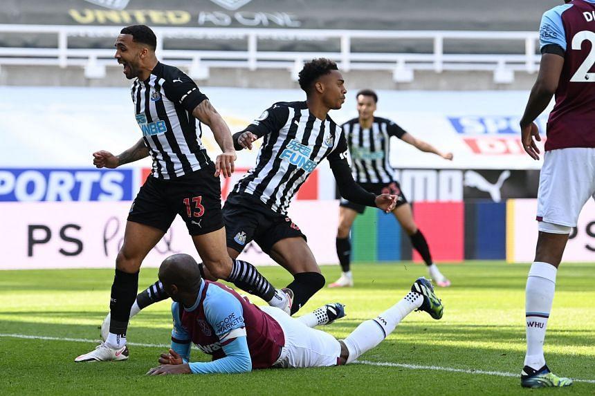 Newcastle United's Joe Willock celebrates after scoring against West Ham United at St James' Park on April 17, 2021.