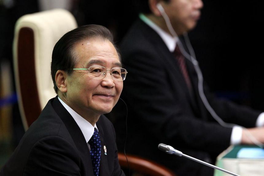 Mr Wen Jiabao wrote an obituary-style article about his mother, who died recently.