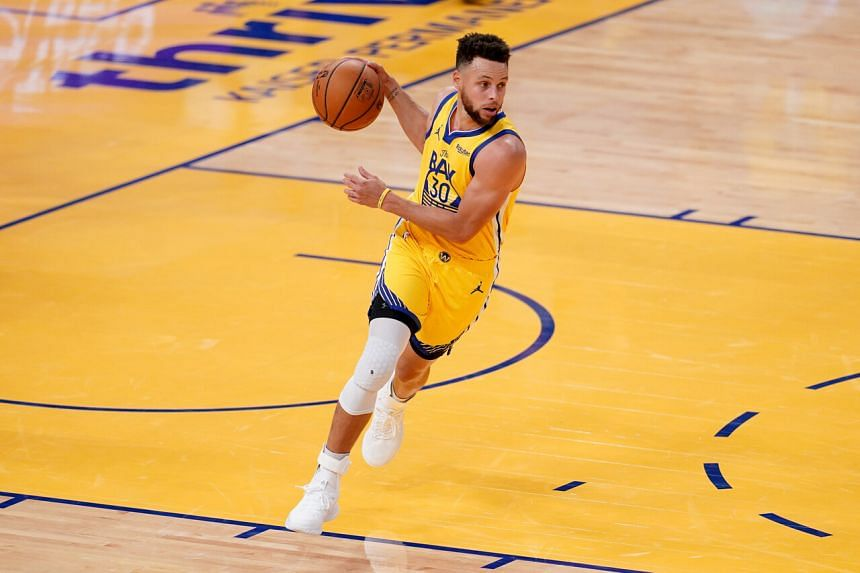 Stephen Curry drained 10 three-pointers on his way to recording his National Basketball Association-best eighth 40-point performance of the season.