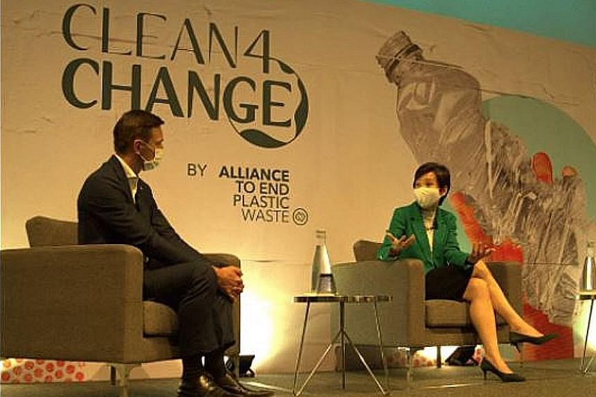 Minister for Sustainability and the Environment Grace Fu and Mr Jacob Duer, president and chief executive of the Alliance To End Plastic Waste, at the launch of Clean4Change yesterday. PHOTO: ALLIANCE TO END PLASTIC WASTE