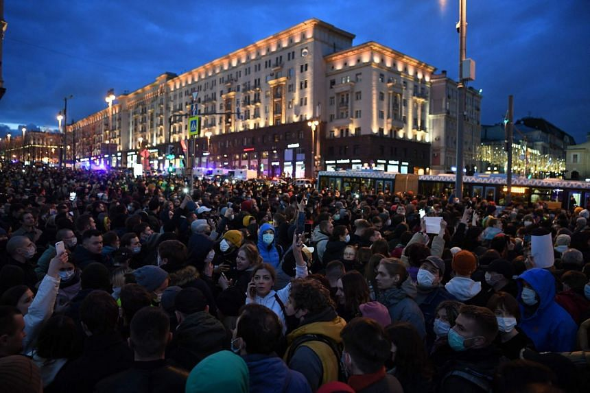 Opposition supporters attend a rally in support of jailed Kremlin critic Alexei Navalny in Moscow on April 21, 2021.