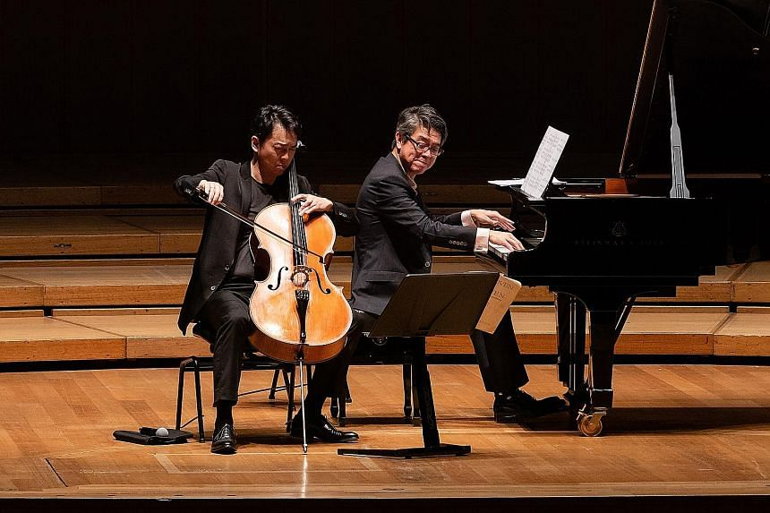 Cellist Qin Li-Wei (far left) and pianist Albert Tiu (left) performing at Celebrating Beethoven: The Cello Sonatas, at the Esplanade Concert Hall.