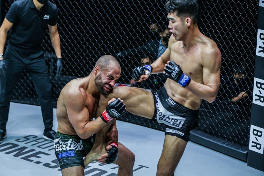 Eddie Alvarez (left) lost to Ok Rae-Yoon via unanimous decision in their lightweight battle in One Championship's One on TNT IV event on April 29, 2021.
