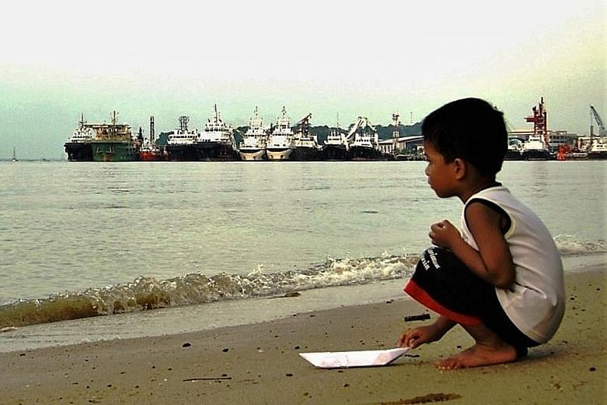 There are many young people who love the sea in their own ways, as seen by the many sea-related interest groups, associations and societies here, says the writer.