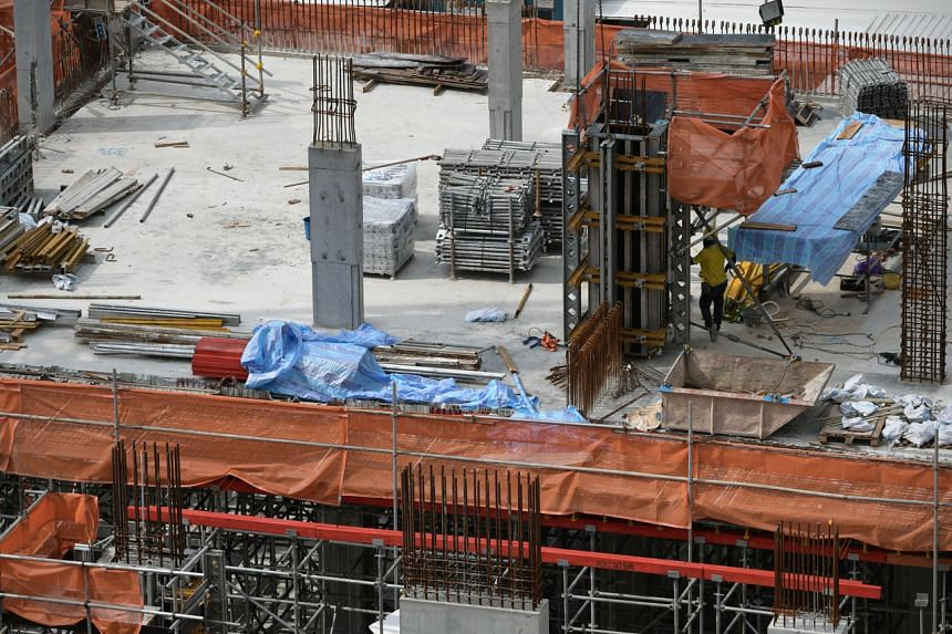 Last year, the foreign construction workforce shrank by 52,800.