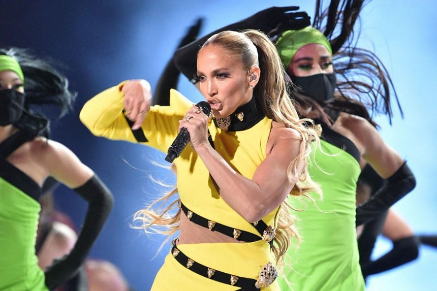 During the concert, Jennifer Lopez told fans she had been forced to spend Christmas without her mother for the first time due to the pandemic.