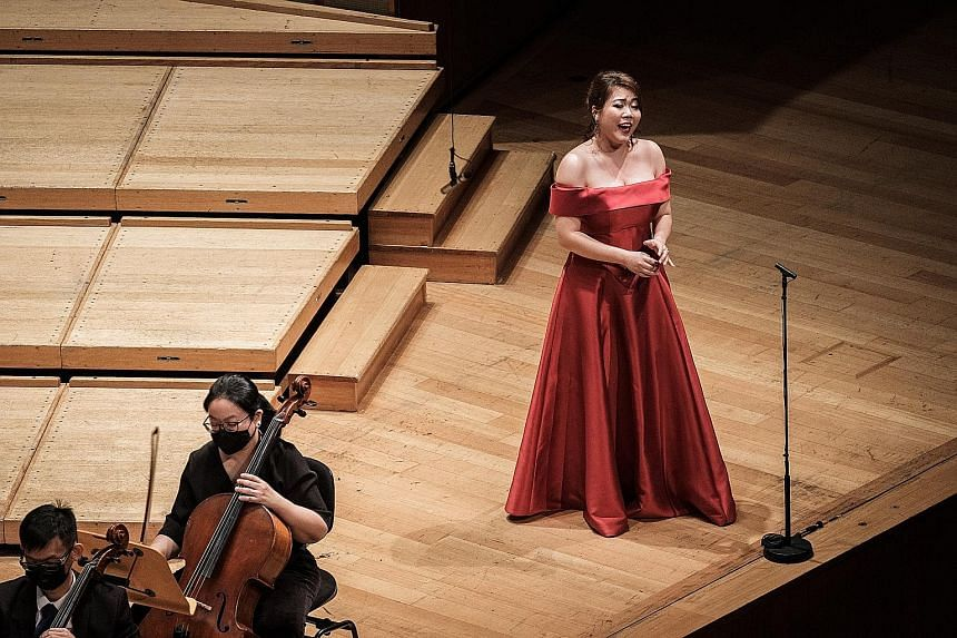 Soprano Teng Xiang Ting sang the finale's strophic song, Das Himmlischer Leben (The Heavenly Life), providing a blissful close to the symphony's mere 55 minutes.