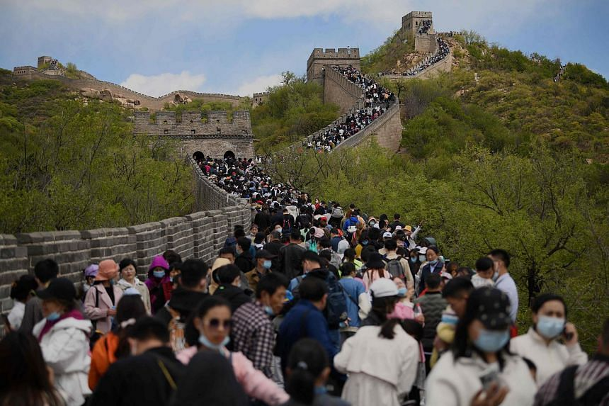 Crowds visiting the Great Wall during the labour day holiday, on May 1, 2021.