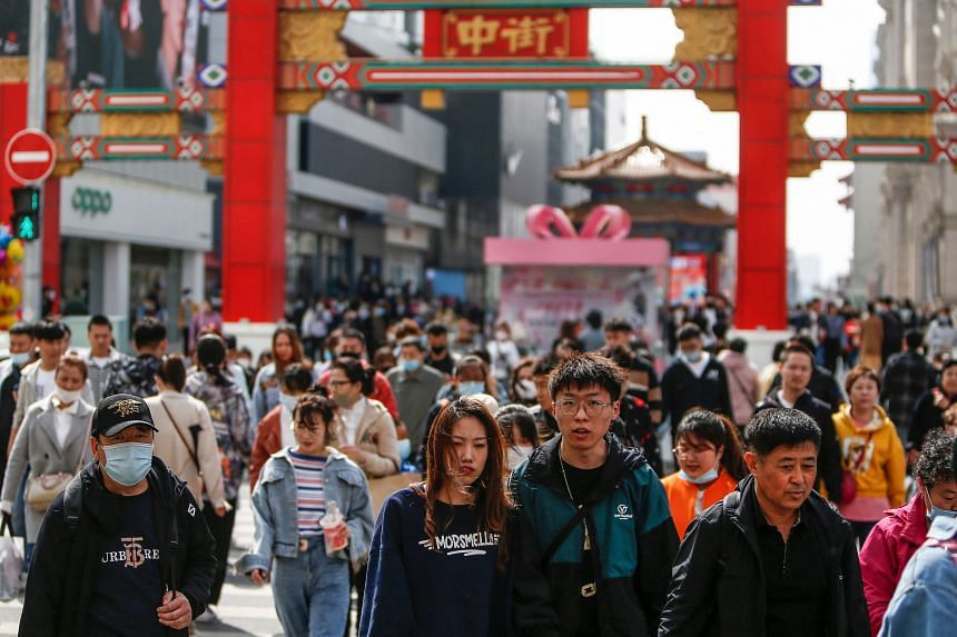 The mainland population in China registered its lowest growth rate on record in the past decade.