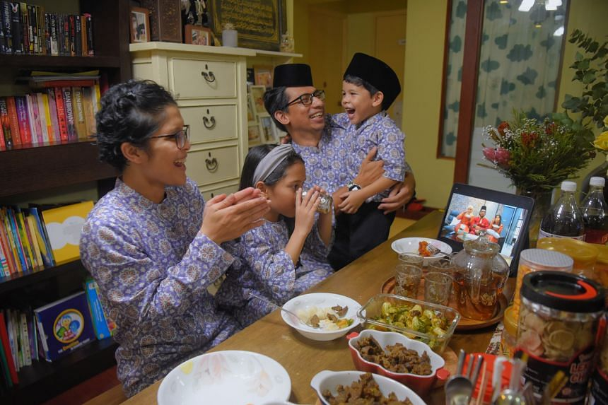 Fitness trainer Siti Zubaidah Isa and her family breaking fast with her brother-in-law and his family over Zoom on May 12, 2021.