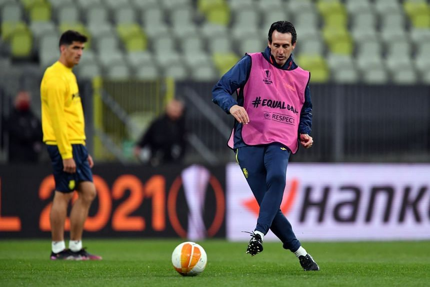 Unai Emery during Villareal's training session in Poland on May 25, 2021.