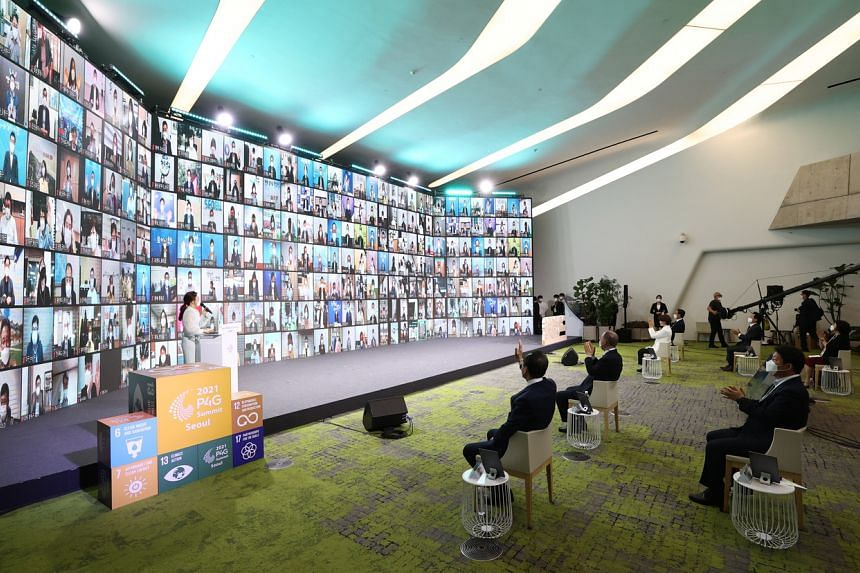A special session of the P4G Seoul Summit being held at Dongdaemun Design Plaza in Seoul on May 24, 2021.