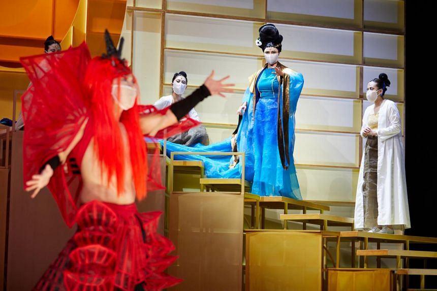 Ching Shu Yi (second from right) playing the ant kingdom's princess in A Dream Under The Southern Bough: Existence.