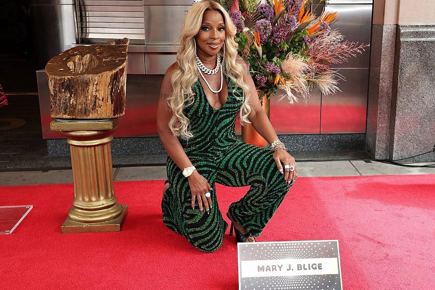 Multi-award-winning singer-songwriter Mary J. Blige has been inducted into Apollo Theatre's Walk of Fame, just outside the legendary theatre in Harlem in New York.