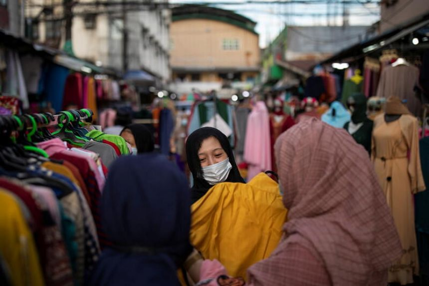 Moody's is expecting the Philippines' gross domestic product to grow this year by only 5.3 per cent - below the government's goal - due to rising inflation and expectations that high unemployment will persist, says the paper.