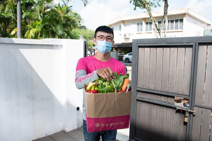 Fresh vegetables and fruit, meat, seafood and other household essentials are among the more than 5,000 grocery items that pandamart offers. PHOTO: foodpanda