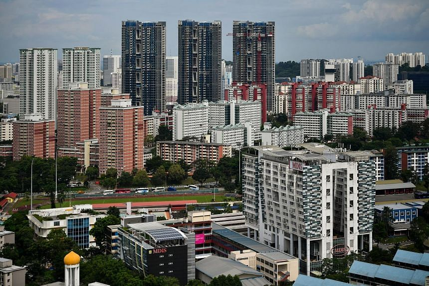 According to property agents, private property downgraders make up the most common group interested in million-dollar flats. Other groups of buyers interested in such units include dual-income couples in their 30s with high earning power and wealthy