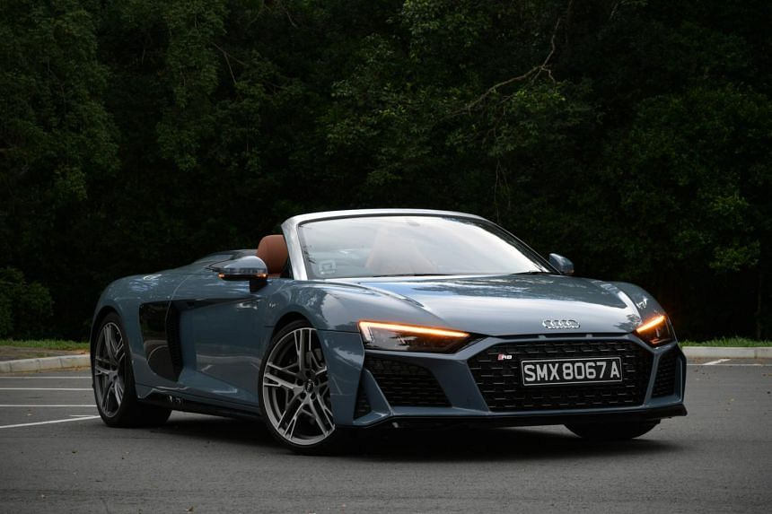 Unlike previous R8s, the Audi R8 V10 Spyder is a rear-wheel-drive and 55kg lighter for it.