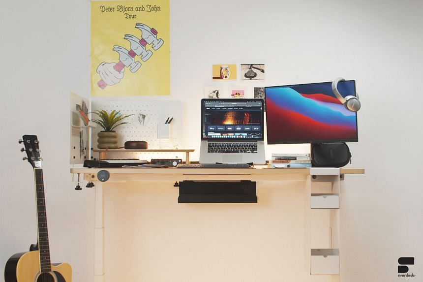 The EverDesk+ is height-adjustable and comes in two designs.