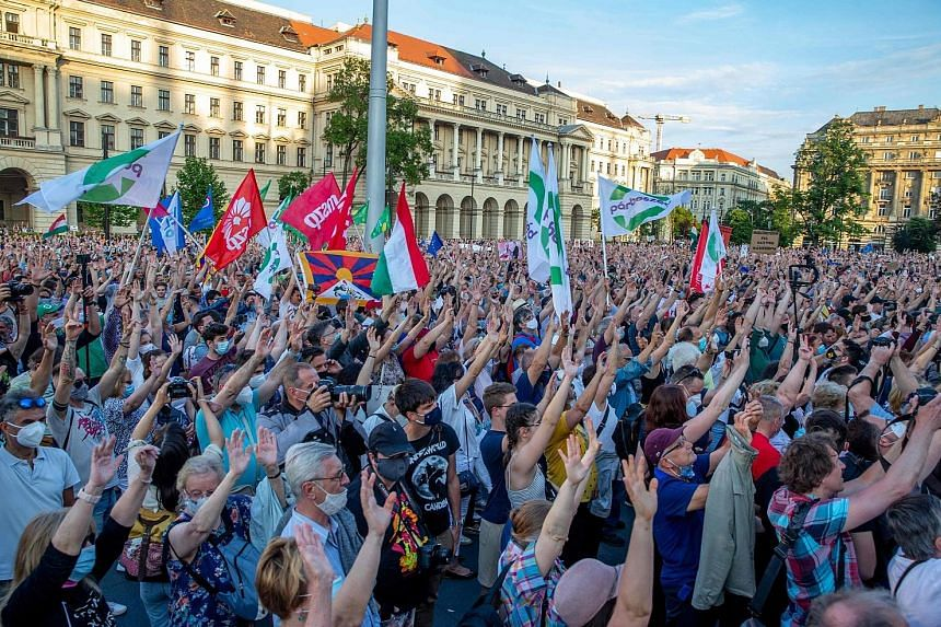 Demonstrators in the Hungarian capital Budapest protesting last Saturday against the Fidesz party of Prime Minister Viktor Orban and the planned construction of a Chinese university. PHOTO: AGENCE FRANCE-PRESSE