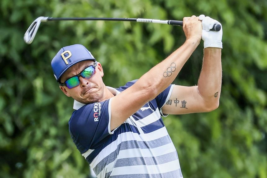 Fowler hits his tee shot on the third hole during the third round of The Memorial golf tournament in Dublin, Ohio, on June 5, 2021.