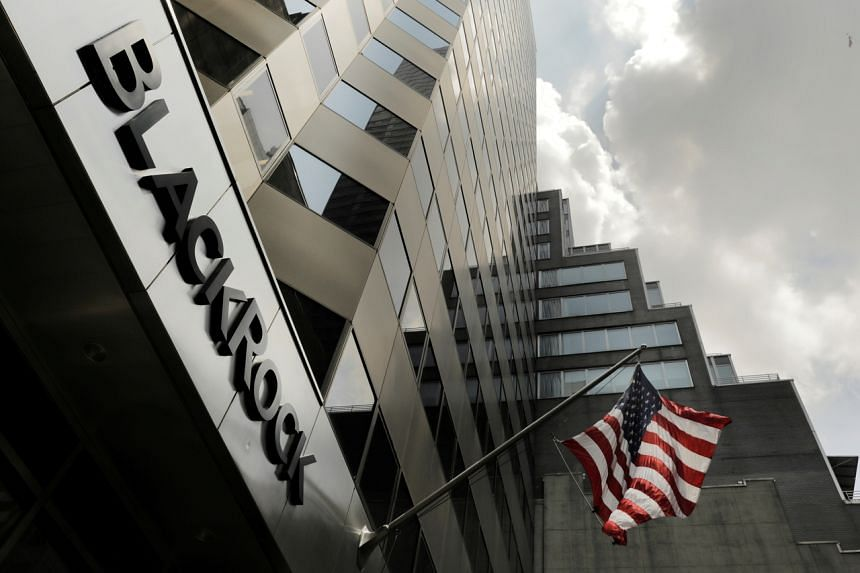 BlackRock said its Chinese fund management unit had won approval from the China Securities Regulatory Commission to start the operation.