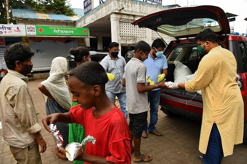 The non-profit Khaana Chahiye Foundation distributing free food to the needy outside a railway station in Mumbai last month. The collective distress of the pandemic brought not only new donors, but also new fund-raisers, said crowdfunding platform Ke