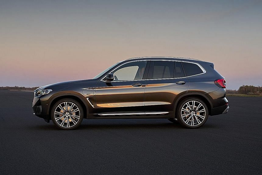 BMW's X3.