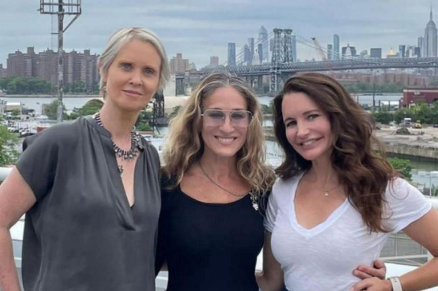 Sarah Jessica Parker (centre) posted on social media a photo of herself with actresses Cythia Nixon (left) and Kristin Davis, on June 12, 2021.