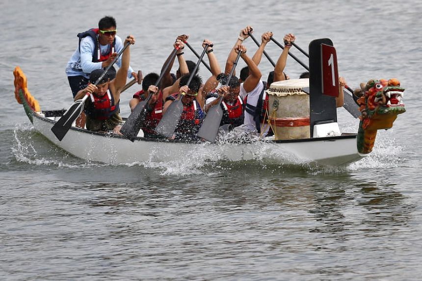 The minimum number of people needed to paddle in a 12-crew boat is five. But safety allow only two persons in a sub-group.