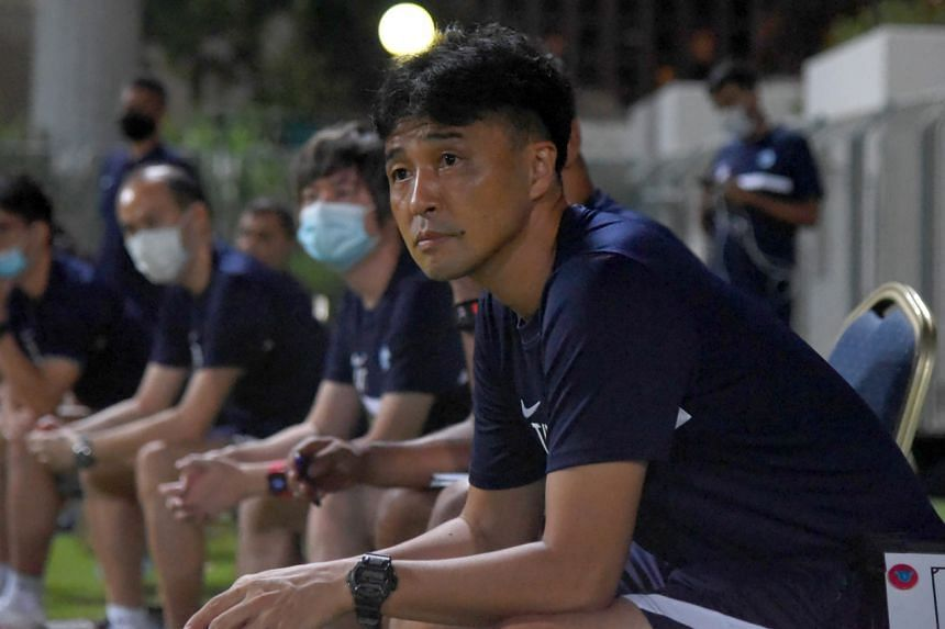 National football coach Tatsuma Yoshida has come under fire for fielding players who have seen little game time for their clubs in the Lions' recent World Cup qualifiers.