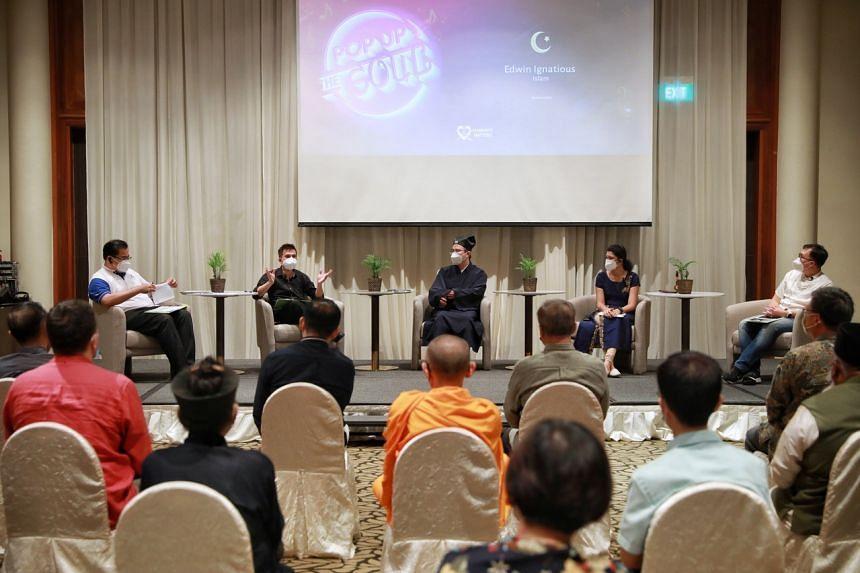 (From left) Moderator Chung Kwang Tong, with speakers Edwin Ignatious, Master Lee Kang Lian, Losheini Ravindran, and Pung Zheng Jie at Furama RiverFront Hotel on June 19, 2021.