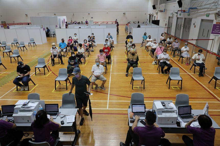 """Singapur: wir müssen wieder zur """"Normalität"""" übergehen und ein """"mehrjähriges Impfprogramm"""" durchführen und…."""