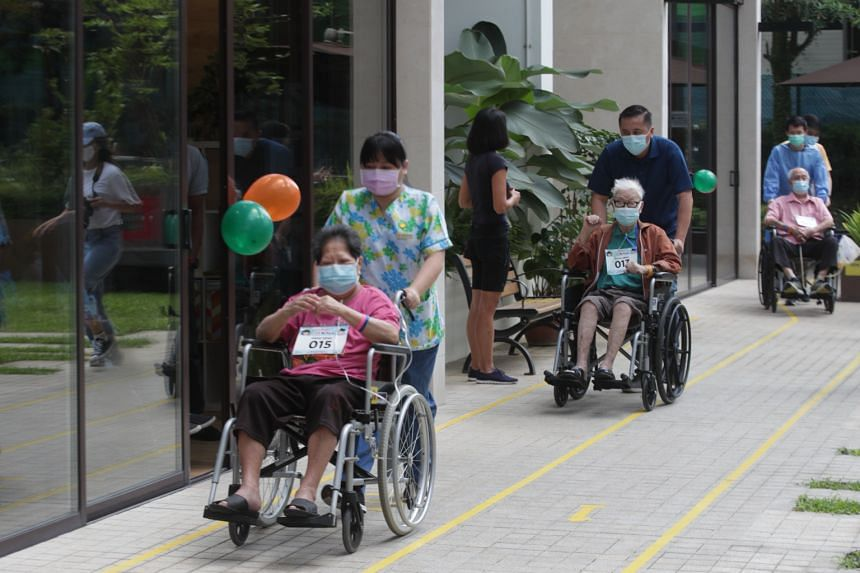 Twenty patients took part in the walk in the hospice's courtyard. They clocked a total of 9km.