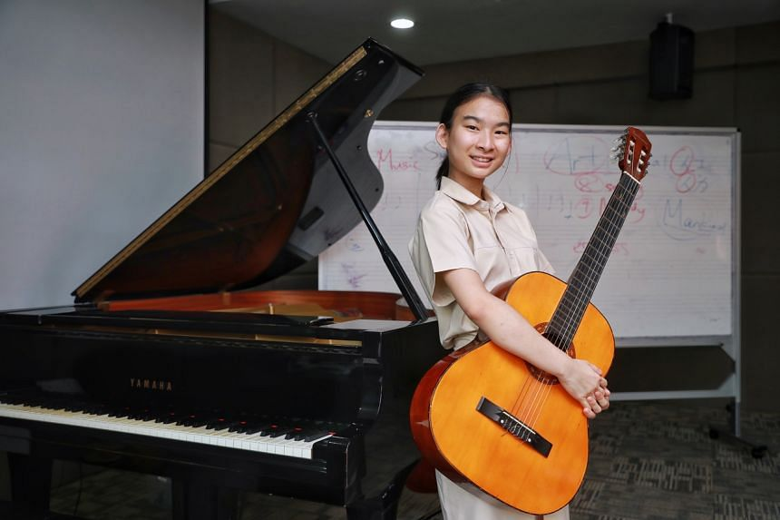 Hwa Chong Institution student Jayne Peh's song, titled Glow, was rearranged and recorded by local professional vocal group MICappella for this year's Singapore Youth Festival.