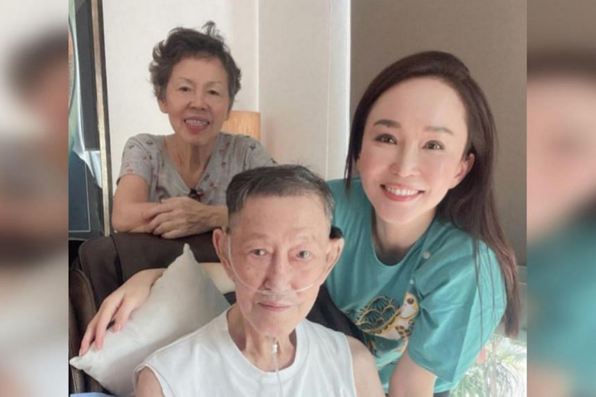 On Father's Day, Fann Wong had posted a photo of herself with her father Fann Chin Khew and her mother Wong Siew Toy.