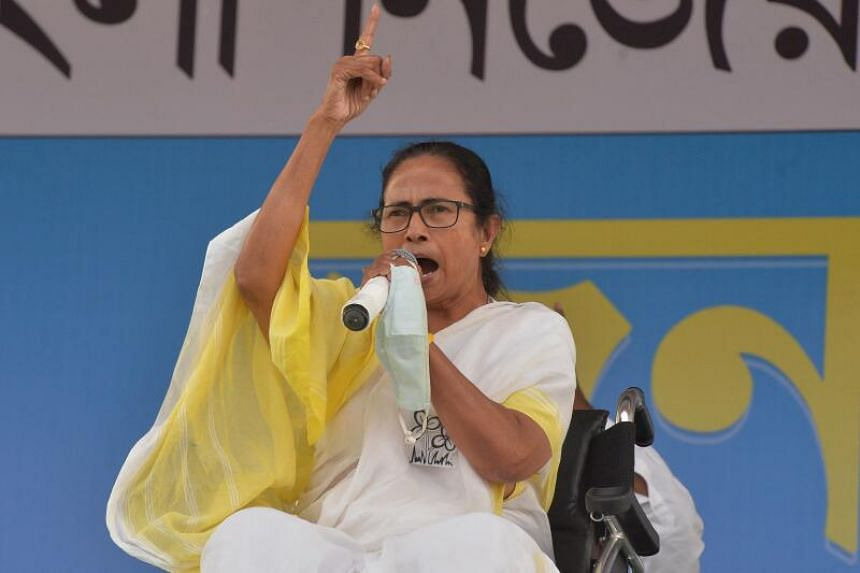 The writer says that West Bengal's Chief Minister and the leader of Trinamool Congress party, Mamata Banerjee, would be the leading candidate for prime minister.