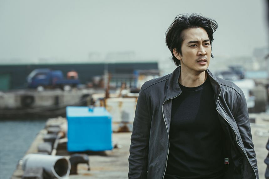 Actor Song Seung-Heon takes on intense action scenes and even fights with dogs in Voice 4.