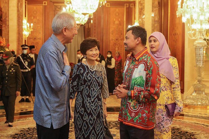 Senior Minister Teo Chee Hean and his wife, Mrs Teo Poh Yim, with Brunei's Crown Prince Al-Muhtadee Billah and his wife, Pengiran Anak Isteri Pengiran Anak Sarah.