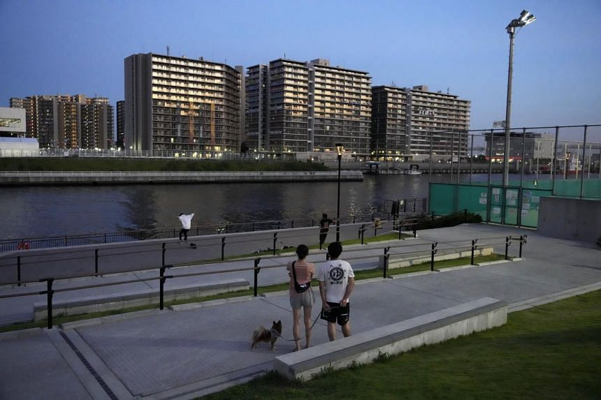 The broken bubble to control Covid-19 infections at the Olympic Athlete's Village poses a risk of spreading infections to the general populace.