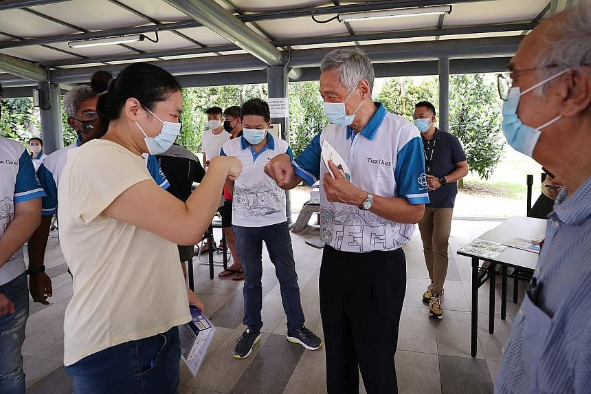 Prime Minister Lee Hsien Loong visited the antigen rapid test kit collection points in Teck Ghee and Cheng San yesterday. He wrote in a Facebook post that he met some residents who were eager to collect their test kits as they had visited the markets