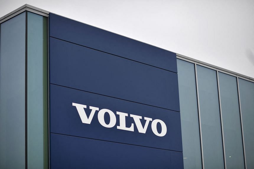 An analyst said taking full control of the Chinese joint ventures could help smooth the way for a Volvo Cars IPO.
