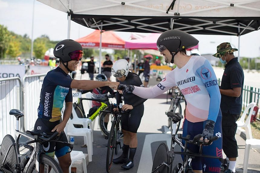 Left: Cyclists relished the rare chance to meet and compete amid the pandemic. Right: Yeo Boon Kiak, 33, and Luo Yiwei, 31, are the men's and women's national champions respectively.