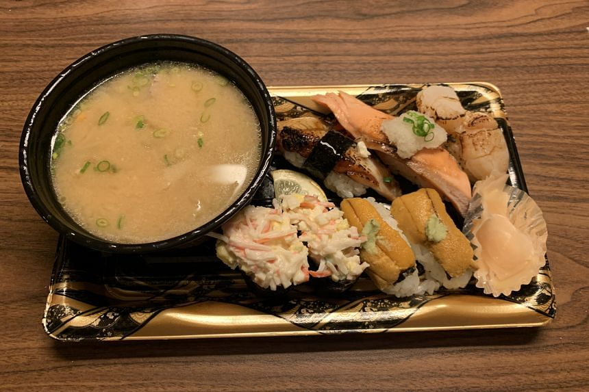 The uni (sea urchin) and salmon are so fresh, it felt like they were just harvested from the sea.