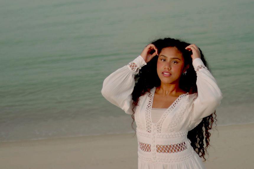 New jazz/R&B singer Maya Raisha will perform at The Esplanade's concert series Red Dot August.