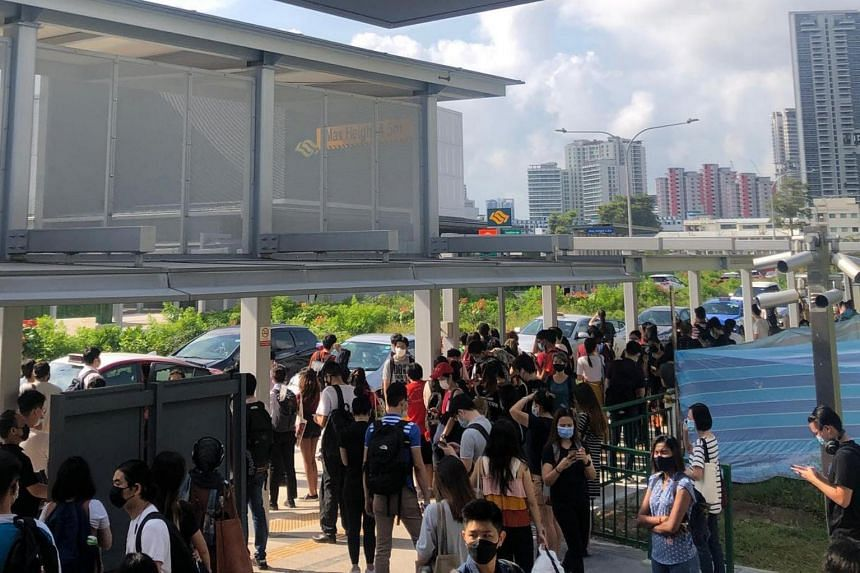 Regular bus services between Bishan and HarbourFront stations were made free for commuters during the fault.